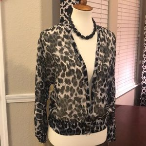 🖤Guess Sheer leopard print blouse Small🖤